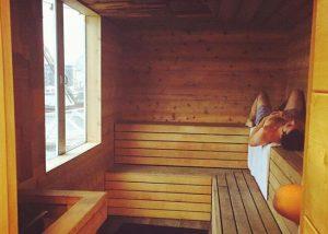 How hot should a sauna be